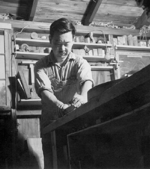 Nakashima working on his next piece of magic. Source: https://www.nakashimawoodworker.com/ image by unknown.